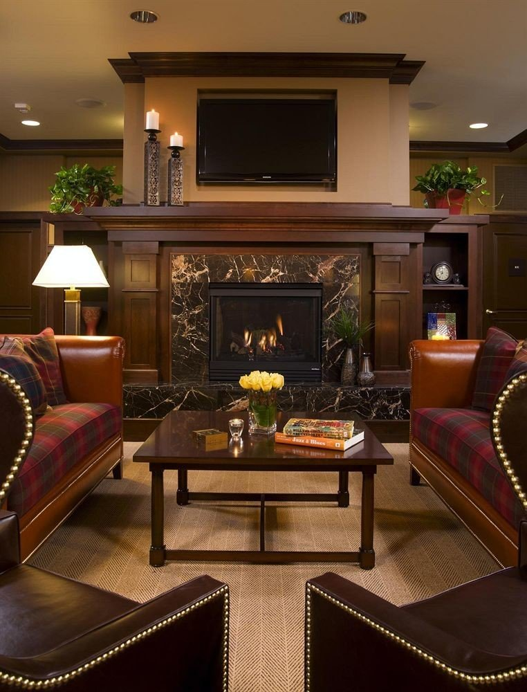Classic Lounge sofa living room chair property home Lobby recreation room hardwood Suite mansion leather