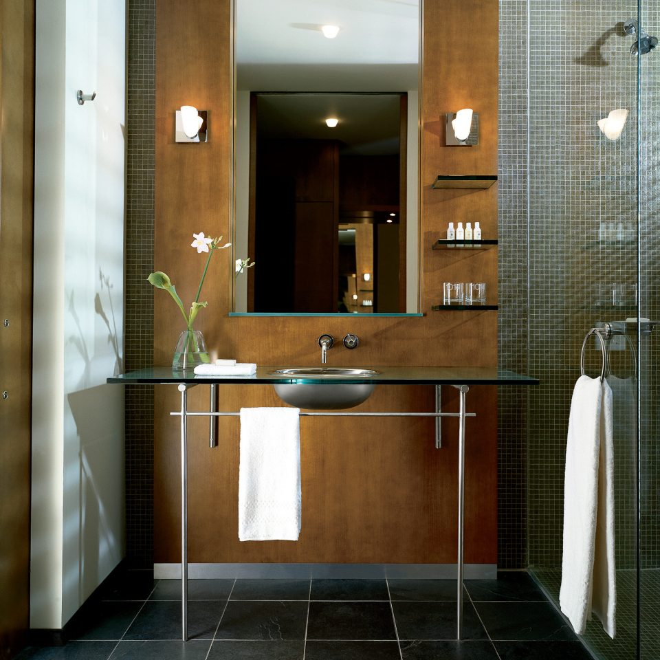 Classic Resort bathroom mirror plumbing fixture home flooring hall Lobby tile tiled