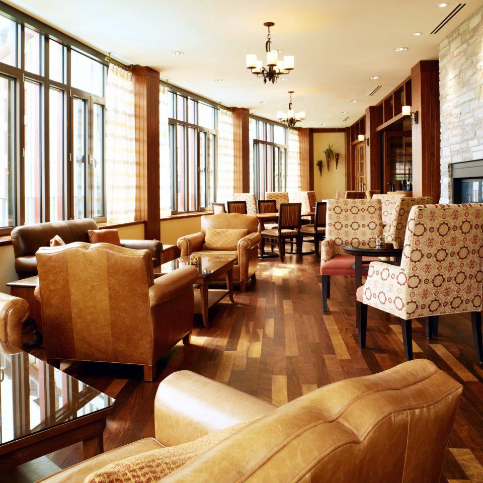 Classic Resort sofa property living room Lobby home condominium restaurant Suite leather