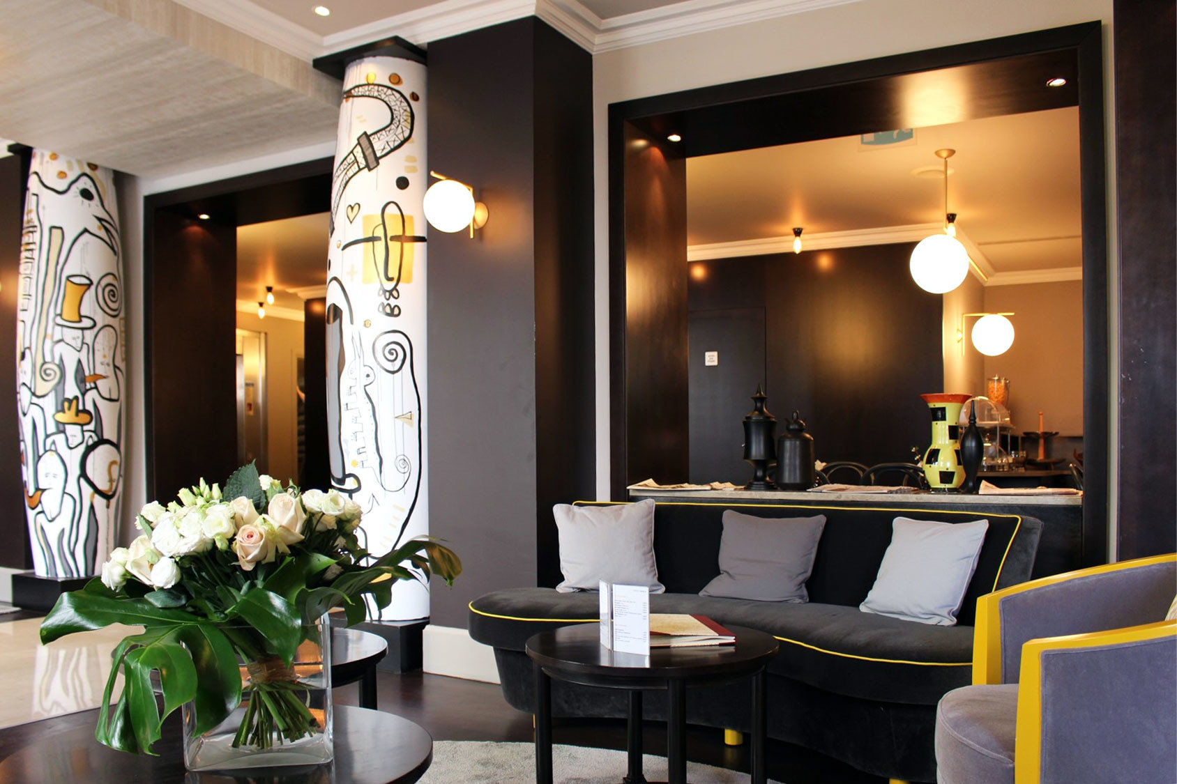 Classic Lobby living room Suite home lighting restaurant