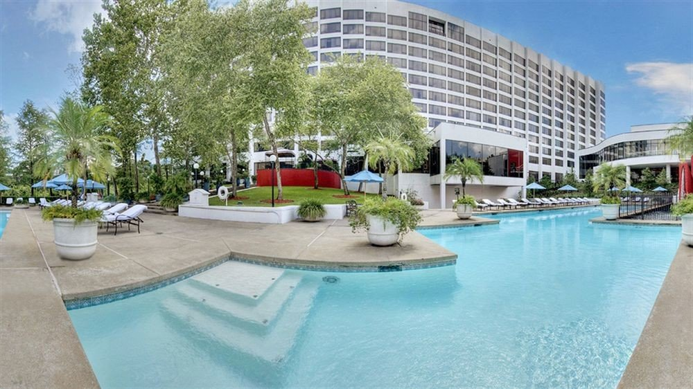 Classic Pool tree swimming pool property condominium building leisure Resort reflecting pool plaza Villa backyard mansion