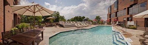 Classic Pool property swimming pool Resort Villa backyard hacienda cottage empty day