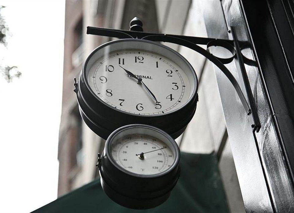 clock watch hanging wheel gauge lighting hand mounted device decor