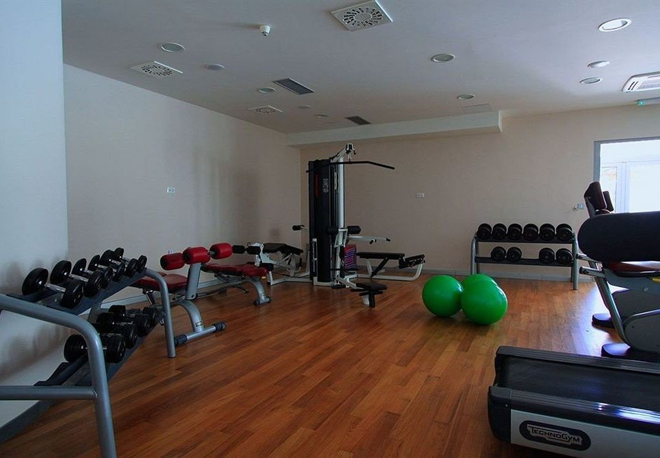 structure property sport venue condominium recreation room living room hard cluttered
