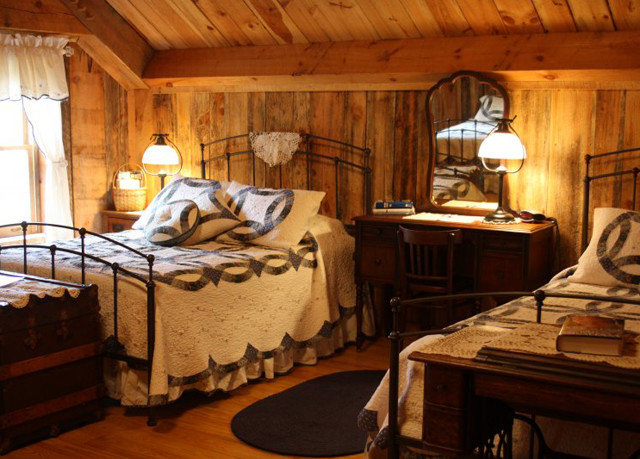 property log cabin cottage home farmhouse wooden living room cluttered