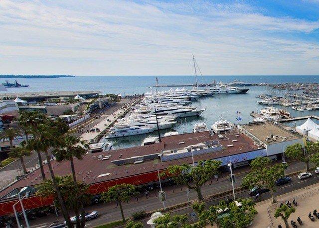 sky marina dock port residential area vehicle Coast infrastructure Harbor Sea shore Island