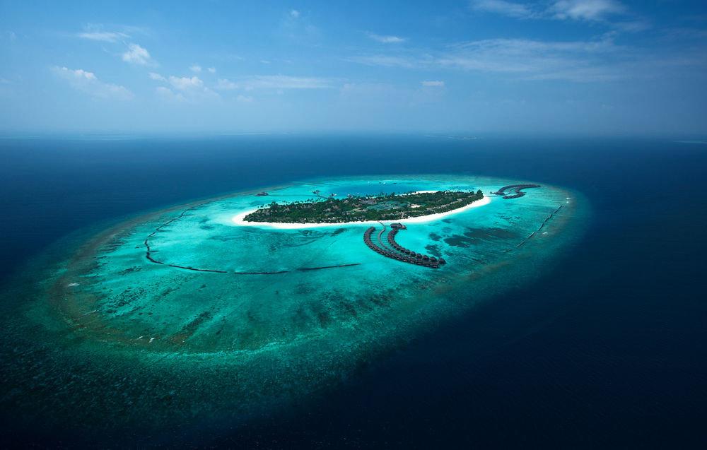 water sky Ocean reef Nature Sea blue horizon archipelago atmosphere of earth atoll islet Island underwater Coast wave cape distance