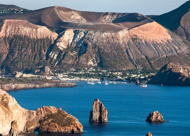 mountain water Nature rock Coast Sea cape canyon cliff terrain fjord formation islet glacial landform Lake