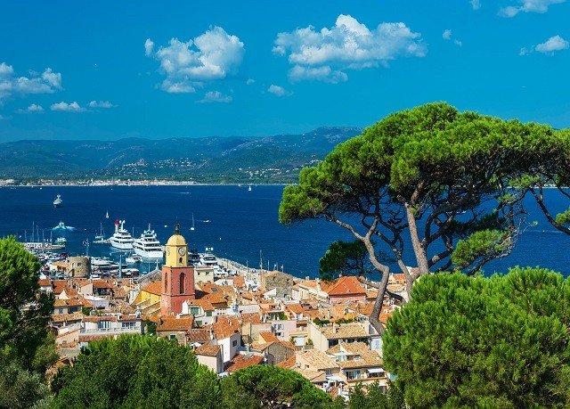 sky tree Town ecosystem mountain Coast Village Nature mountain range panorama cityscape Sea overlooking hillside