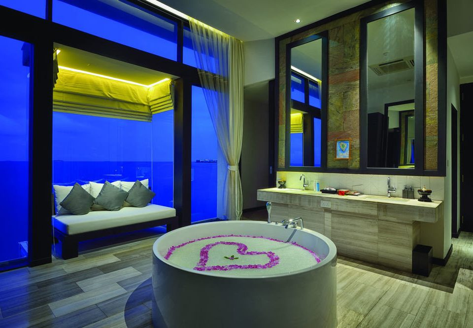 color swimming pool lighting living room tub