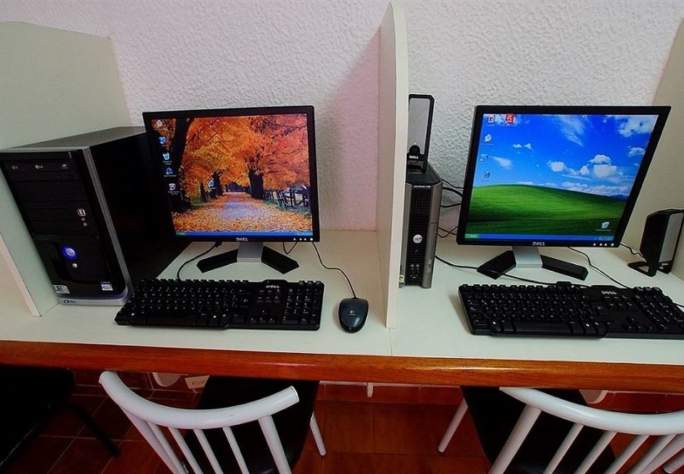 electronics computer laptop personal computer display device desktop computer computer hardware computer monitor multimedia television technology display personal computer hardware electronic device desktop desk