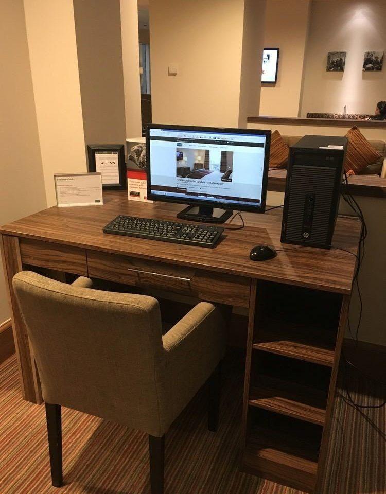 property home desk living room office cottage computer