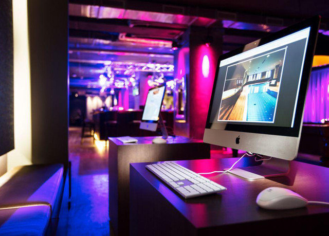 electronics nightclub computer display
