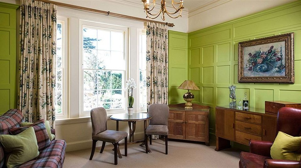 sofa living room property home cottage mansion condominium leather