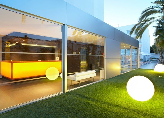 sky grass property yellow leisure centre condominium
