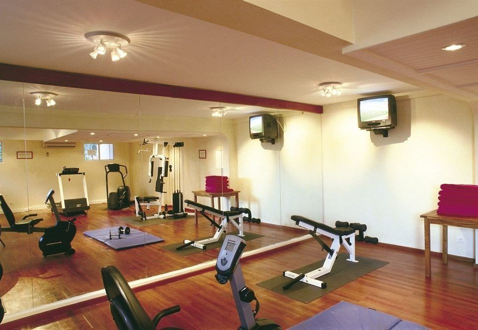 structure property sport venue gym physical fitness recreation room condominium physical exercise hard