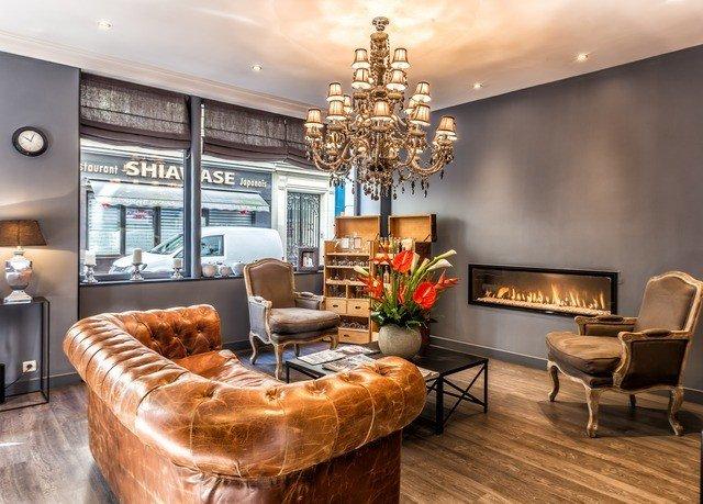 living room property home hardwood condominium