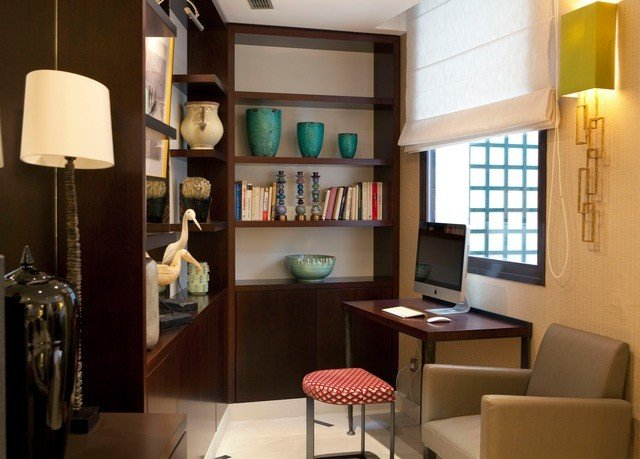 property home living room condominium