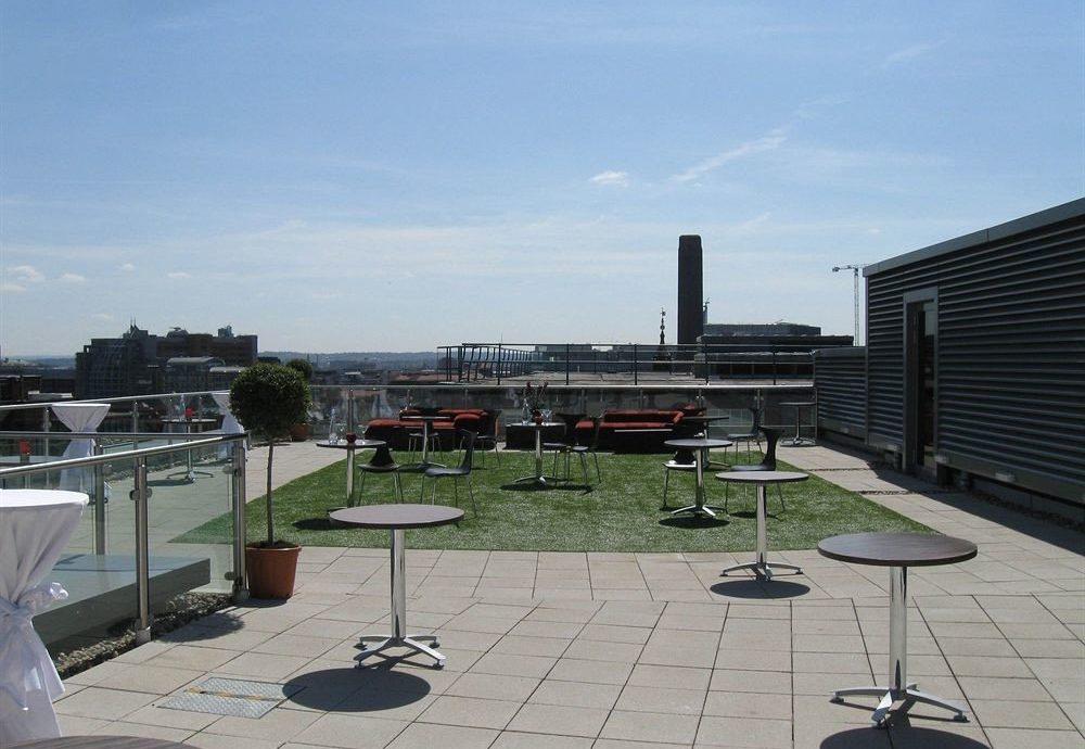 sky property plaza outdoor structure condominium overlooking