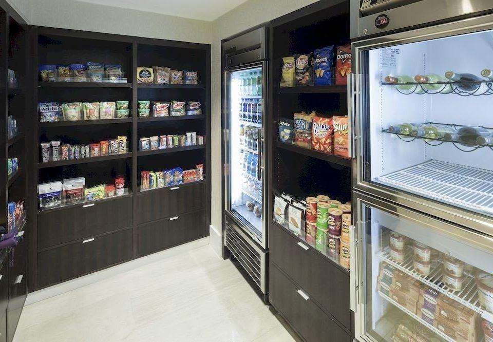 retail shelf convenience store vending machine machine grocery store display case