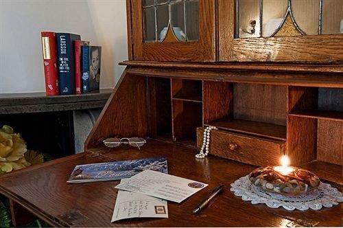 hardwood wooden living room home flooring wood flooring cottage desk
