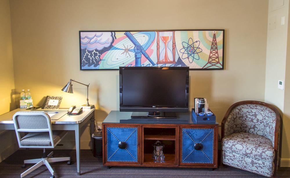 living room property home desk office recreation room cottage
