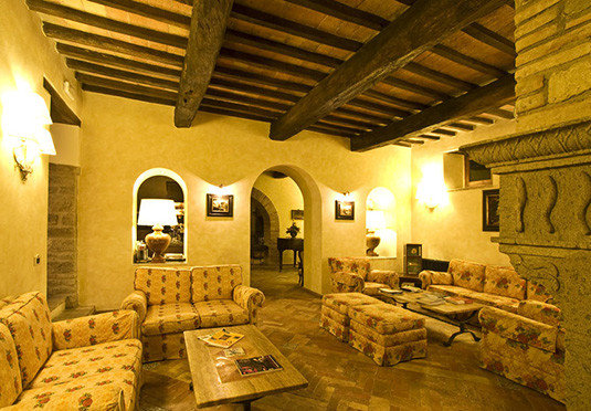 cottage living room hacienda farmhouse