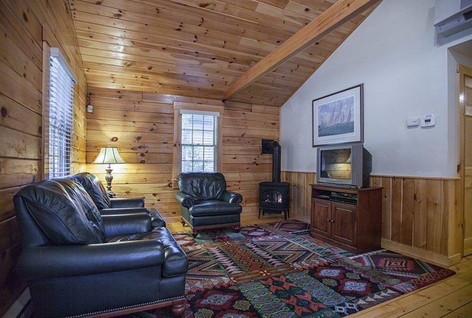 property house home living room cottage hardwood farmhouse log cabin leather