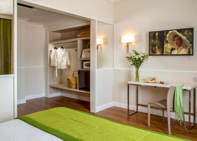 property home living room hardwood flooring wood flooring laminate flooring cottage