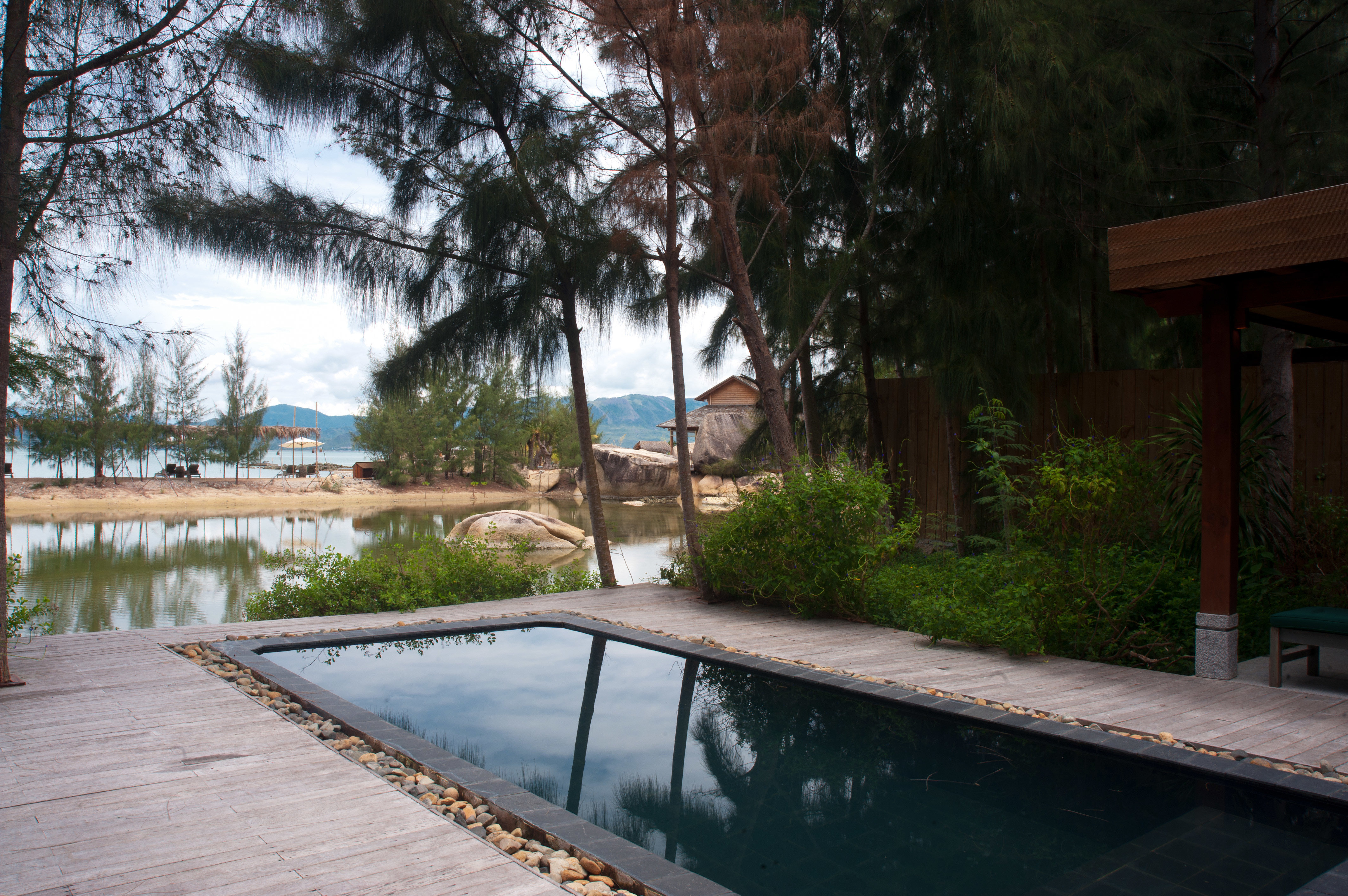 Country Deck Eco Forest Jungle Mountains Nature Outdoor Activities Patio Pool Scenic views Tropical Waterfront tree ground swimming pool property backyard house River home wooden Villa yard outdoor structure cottage walkway