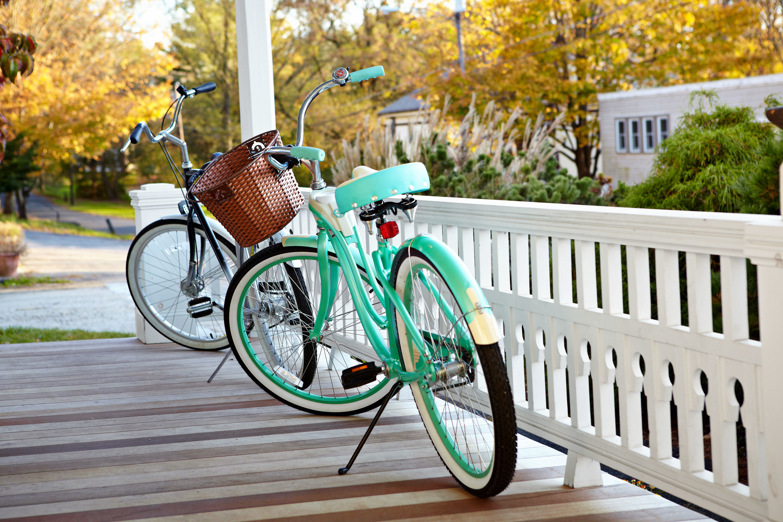 Country Deck Historic Inn tree bicycle vehicle land vehicle cycling parked sports equipment