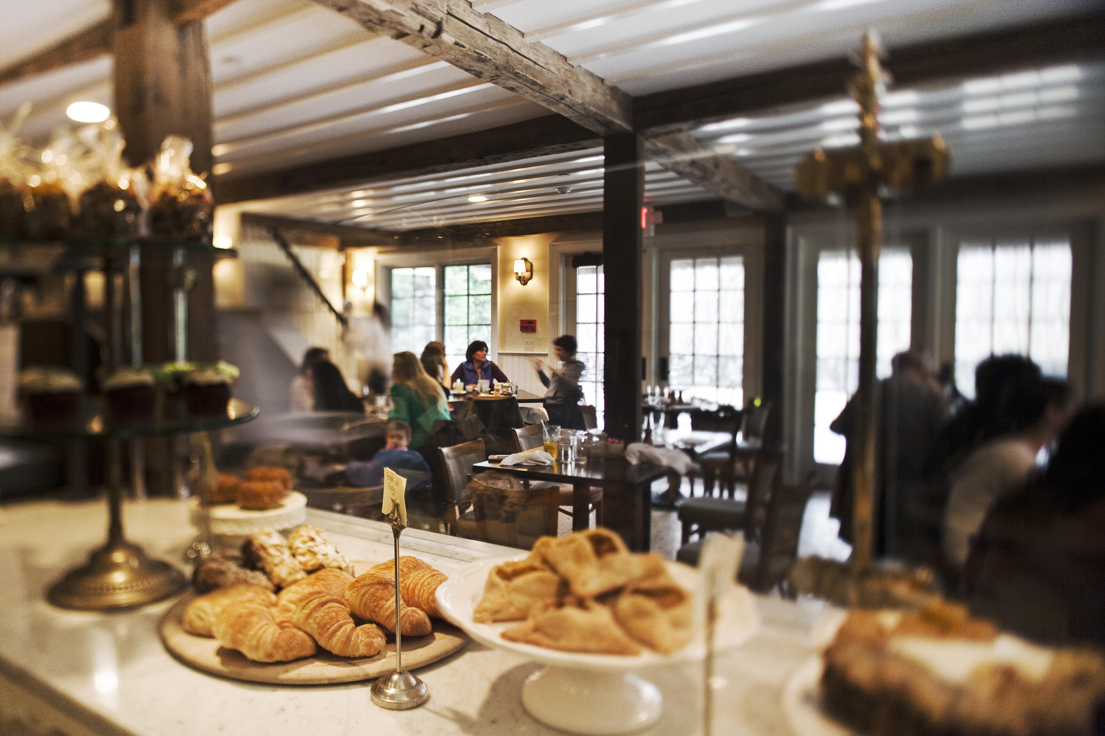Country Dining Drink Eat Inn Luxury Modern restaurant brunch bakery sense breakfast food buffet dining table