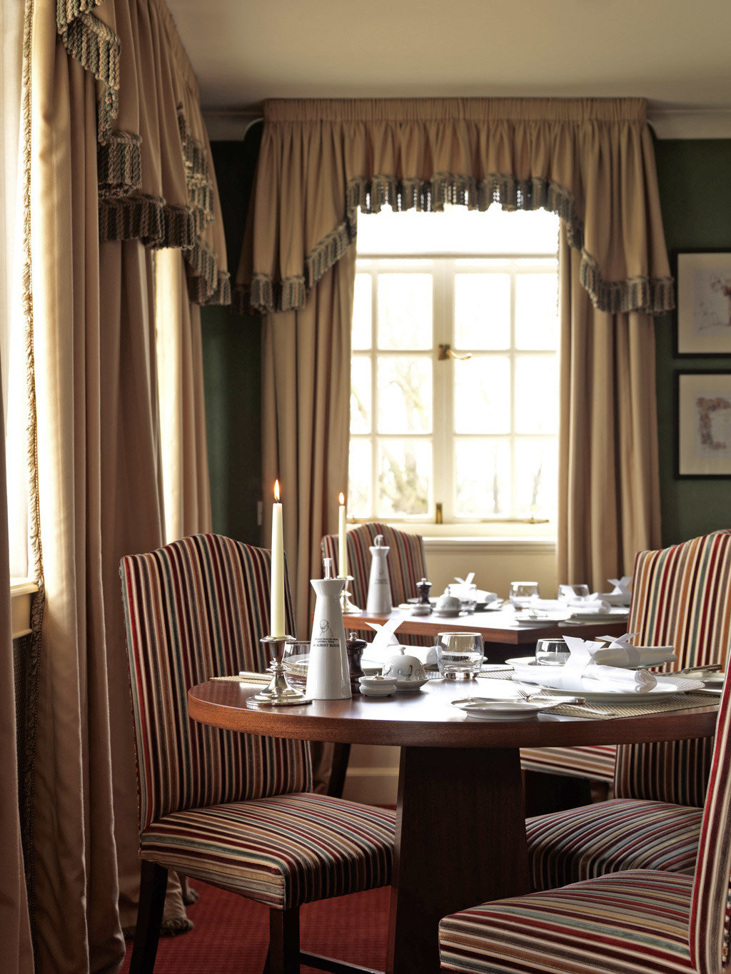 Country Dining Eat Golf Historic chair curtain living room home window treatment textile Suite cottage set dining table