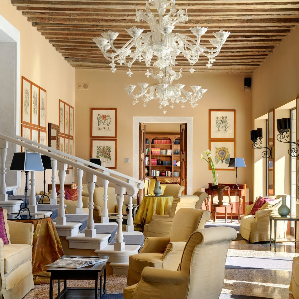 Country Elegant Lounge Romance Romantic living room property home condominium Dining leather