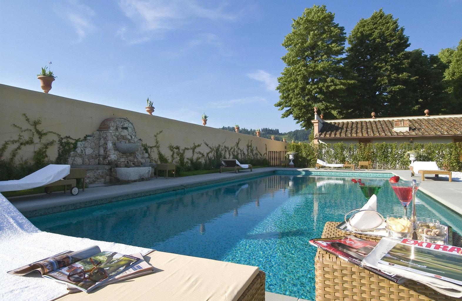 Country Drink Lounge Play Pool sky swimming pool leisure property Villa Resort backyard