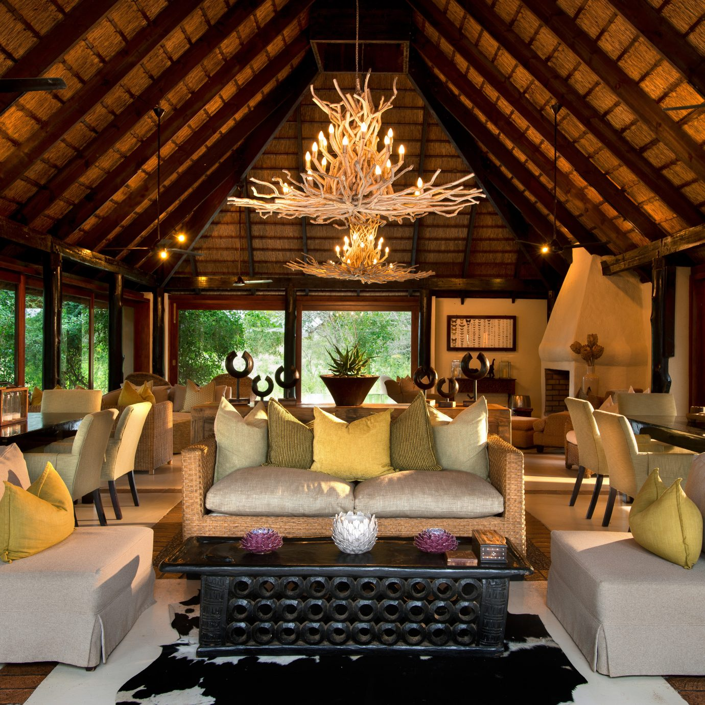 Country Elegant Lounge Luxury Scenic views property living room Resort home mansion Villa