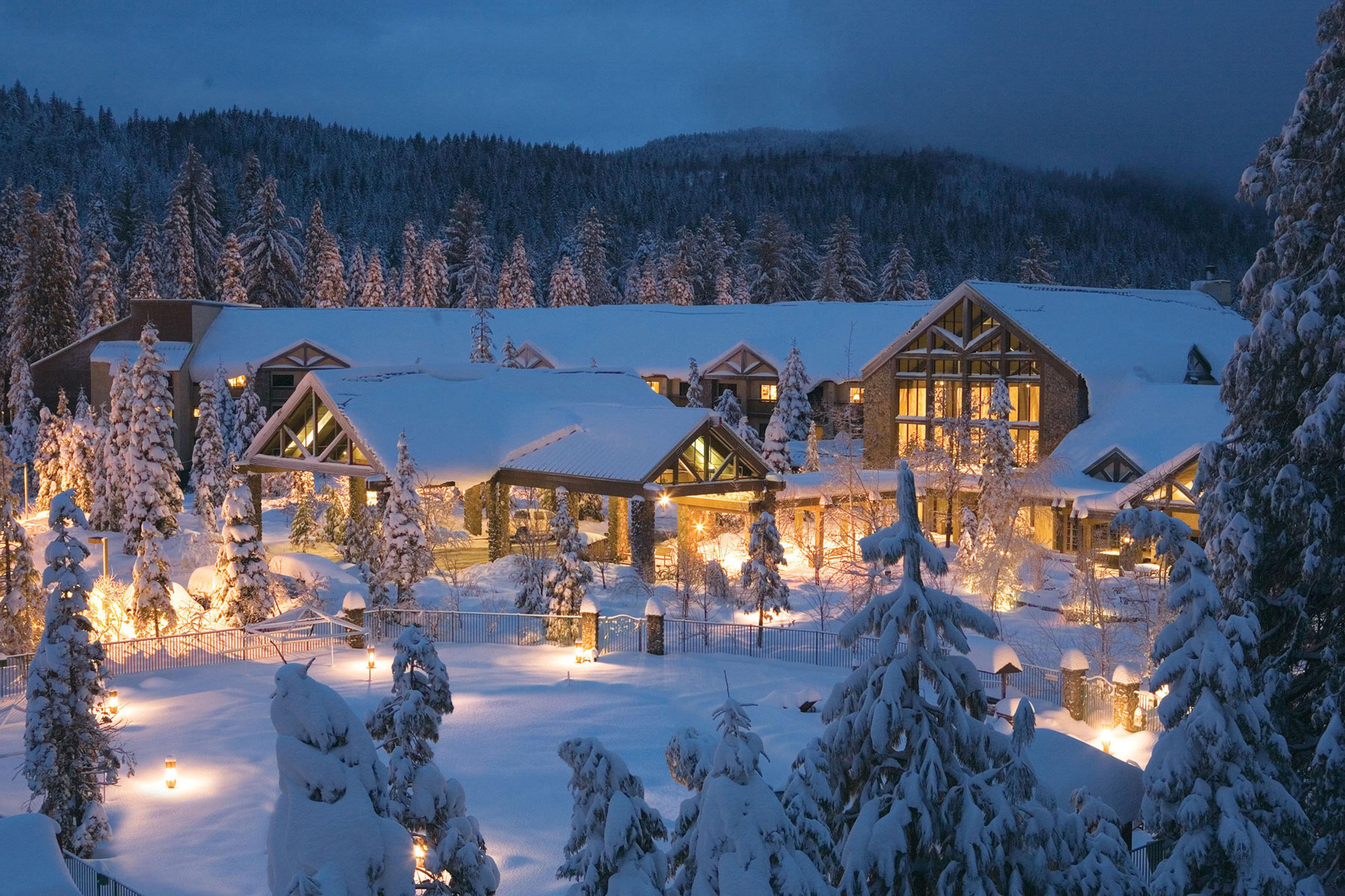 Country Exterior Grounds Lodge Rustic tree sky snow Winter weather season Resort mountain mountain range piste
