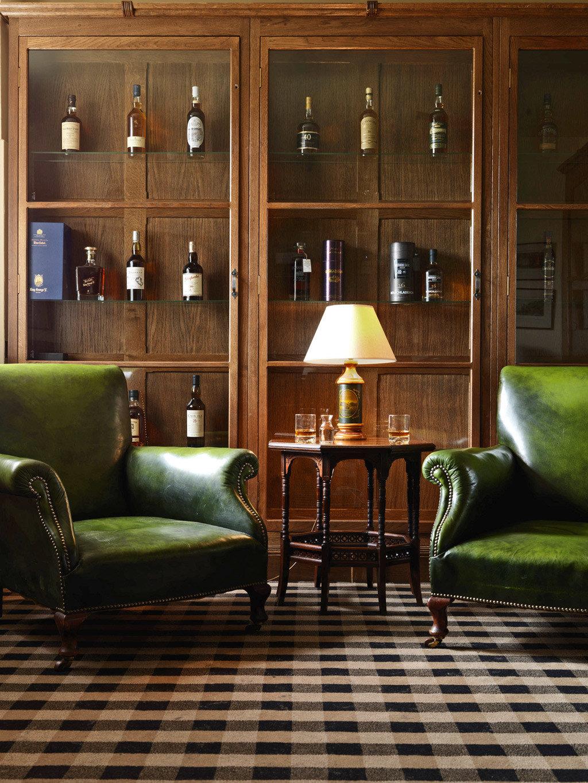 Country Golf Historic Lobby Lounge green living room chair home hardwood flooring wood flooring lighting leather
