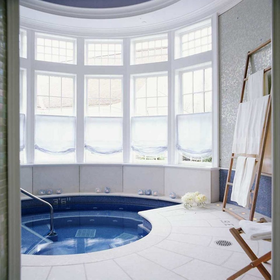 Country Hot tub/Jacuzzi Wellness property curtain daylighting window treatment home textile flooring living room door tub