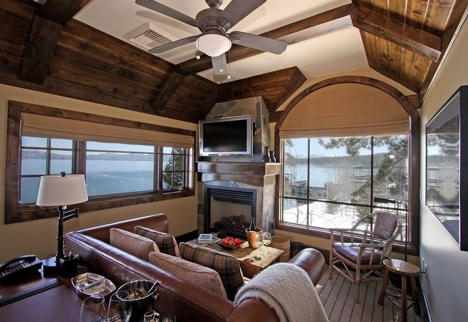 Country Inn Lounge Luxury Rustic property vehicle home living room yacht cottage Suite dining table