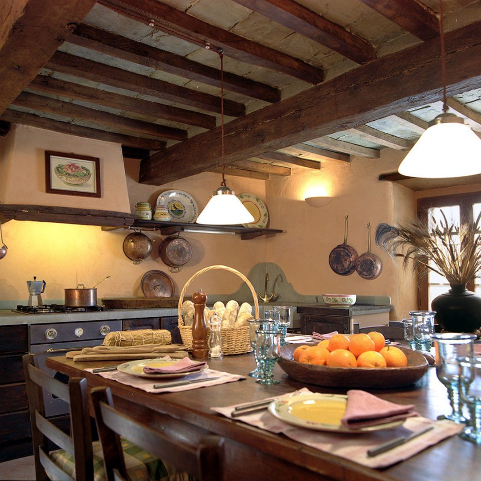Country Kitchen property home cottage counter living room farmhouse Villa cuisine restaurant Island