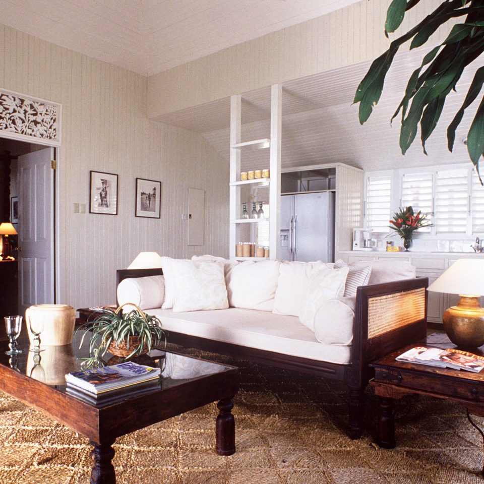 Country Romance Romantic Suite Tropical property living room home Villa condominium mansion cottage