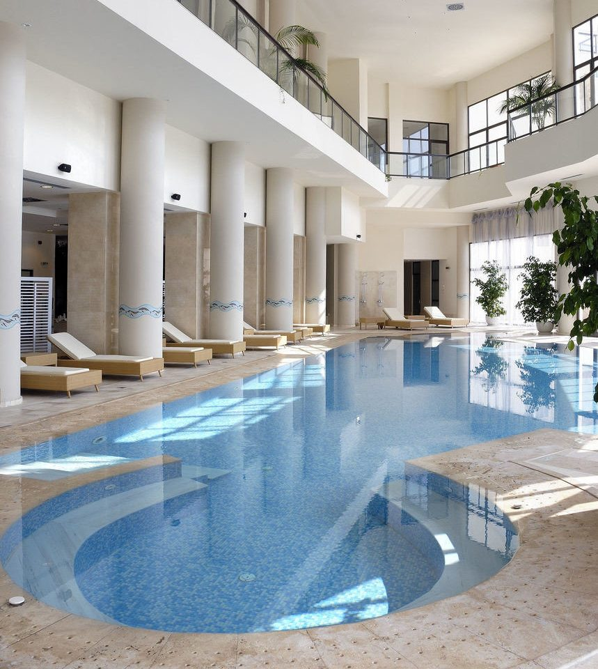 swimming pool property building reflecting pool condominium Courtyard counter flooring