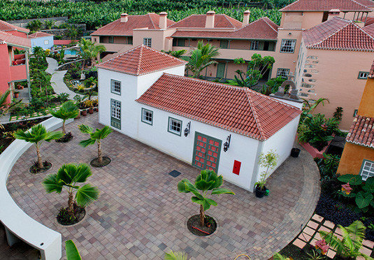 property neighbourhood house residential area home Courtyard yard cottage outdoor structure