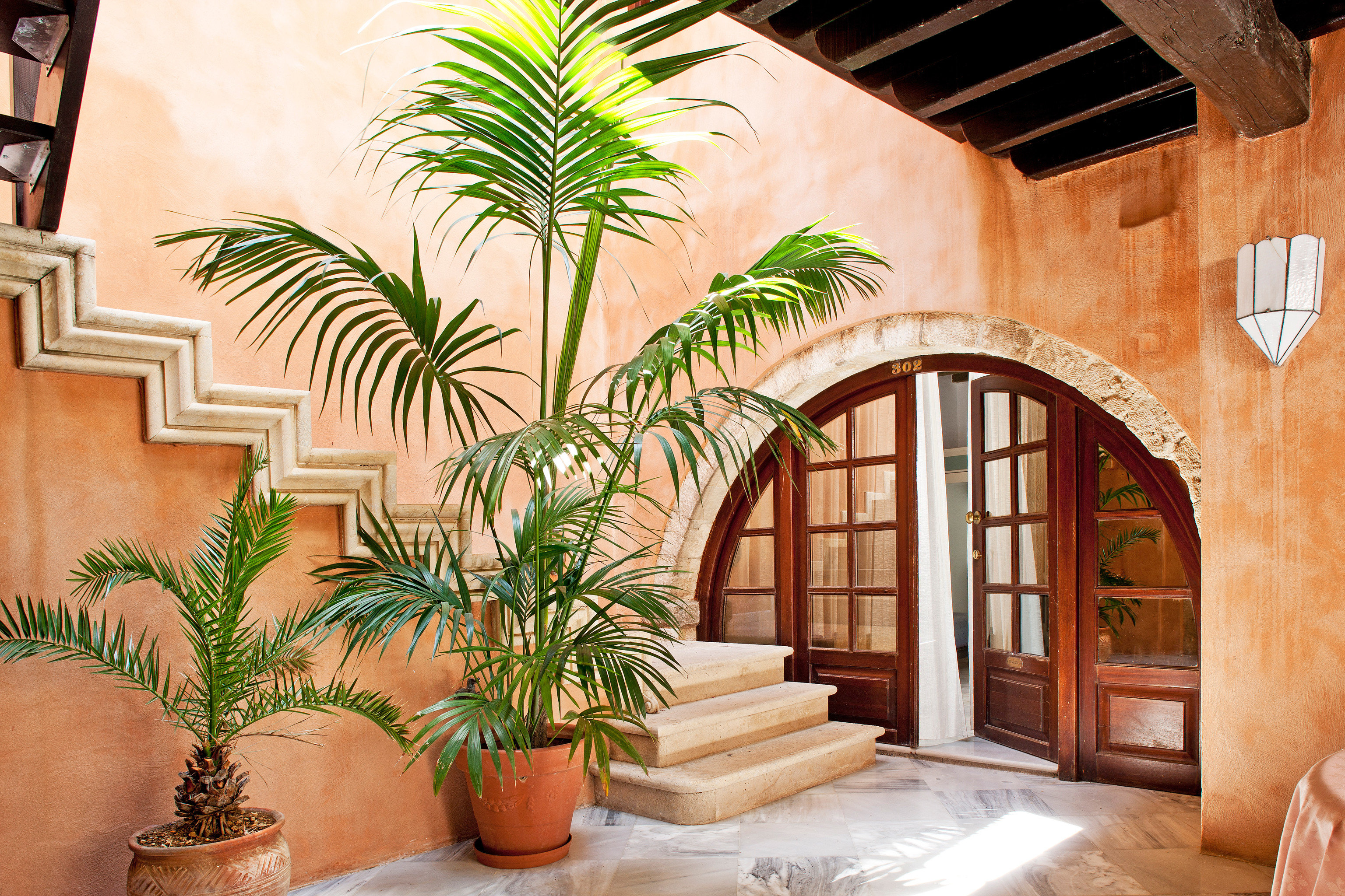 Cultural Family Historic Luxury Romantic Rustic plant property building home house arecales Courtyard hacienda arch Villa mansion