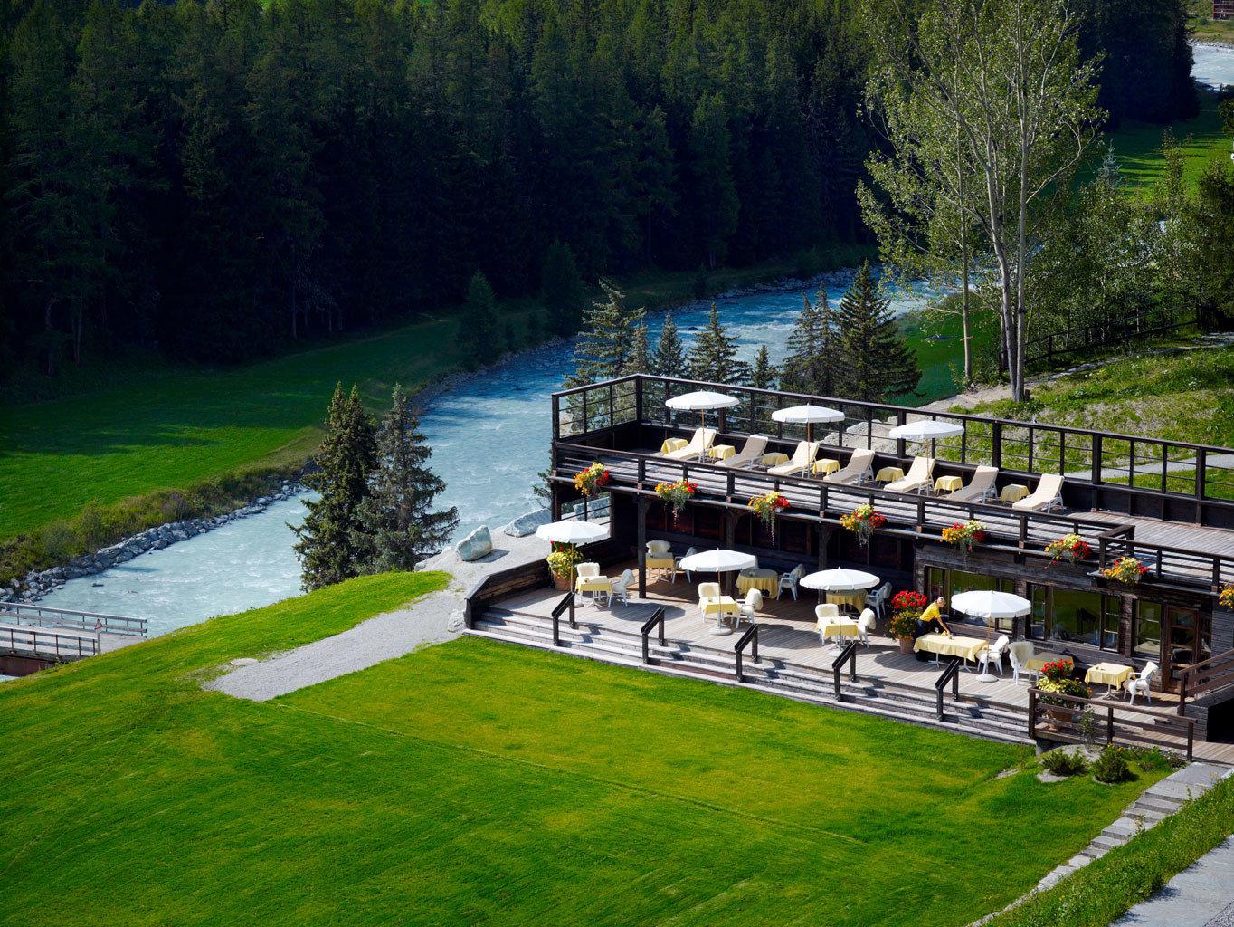 Courtyard Deck Dining Drink Garden Waterfront grass tree park aerial photography waterway lush