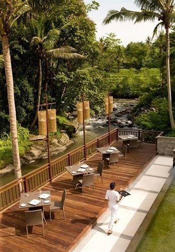 tree property Resort swimming pool Villa outdoor structure condominium Courtyard park backyard walkway eco hotel hacienda Deck