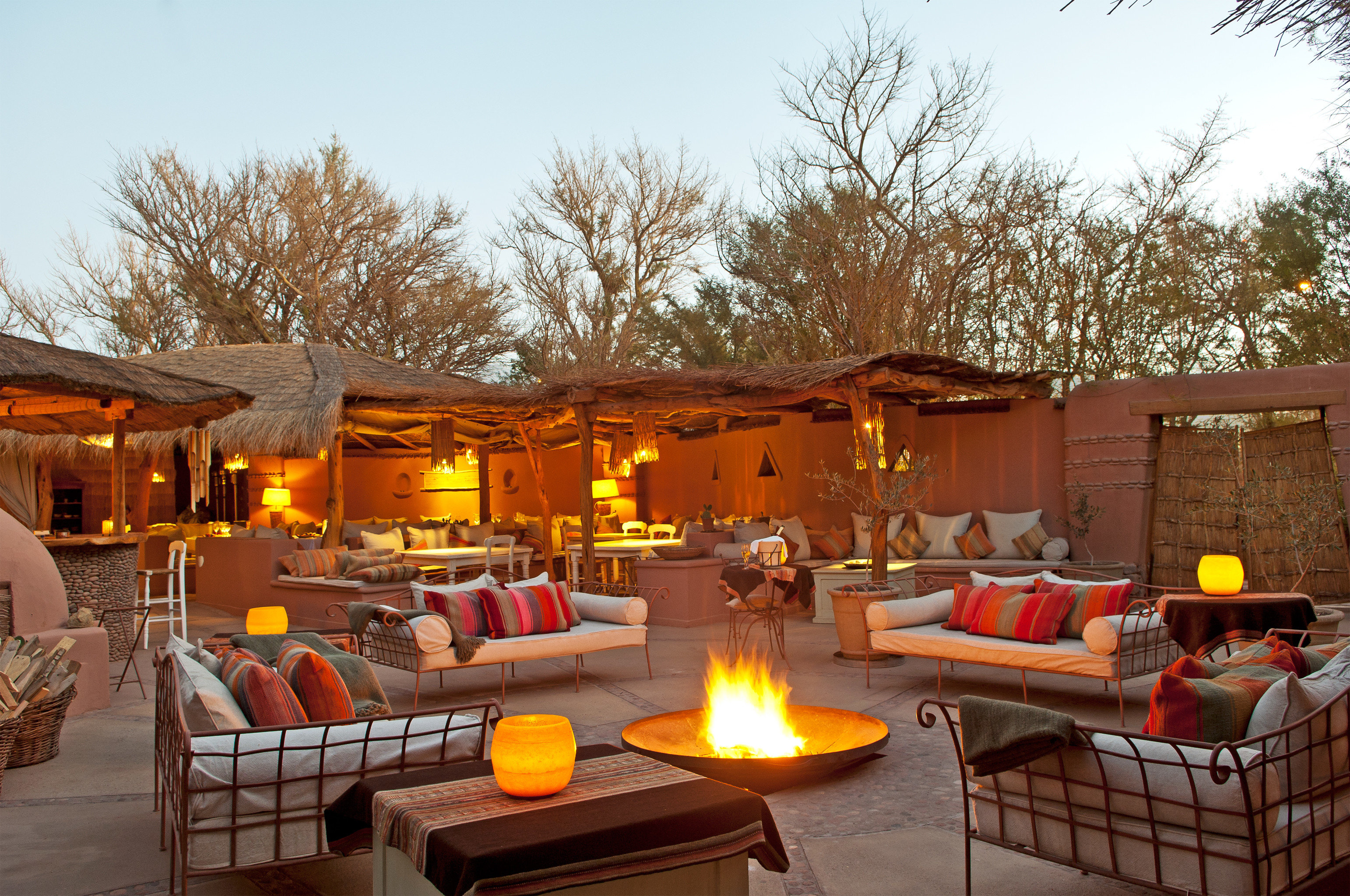 Courtyard Desert Firepit Lounge Outdoors Rustic sky tree property home house log cabin backyard cottage living room Resort Villa outdoor structure