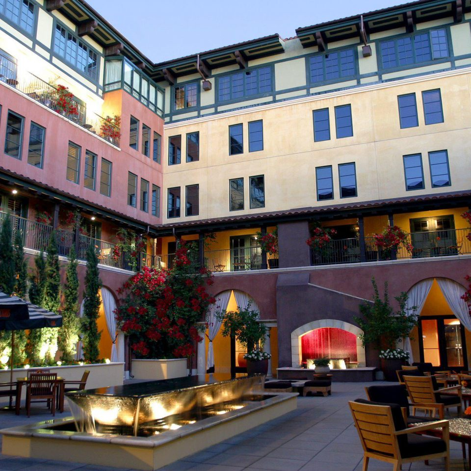 Courtyard Dining Drink Eat Outdoors Patio building plaza neighbourhood restaurant Downtown apartment building