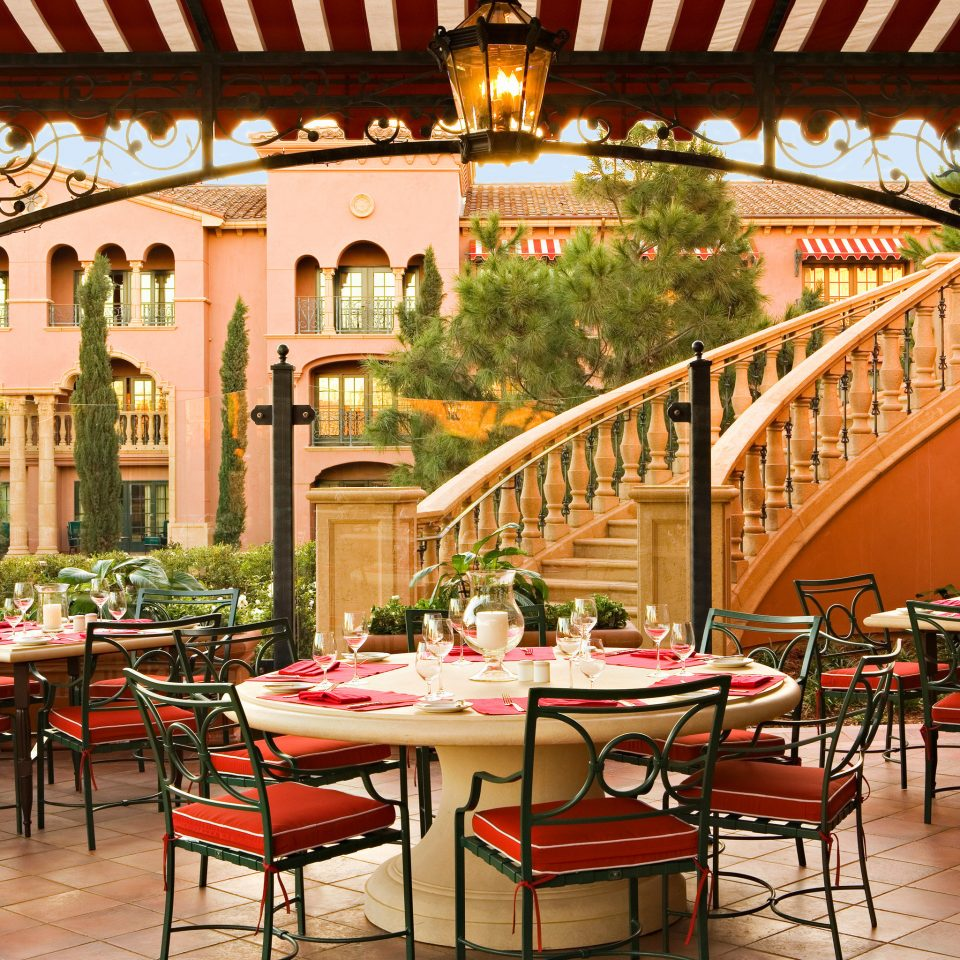 Dining Drink Eat Elegant Scenic views chair restaurant Resort hacienda palace outdoor structure Courtyard set